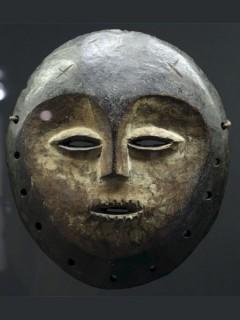 Искусство народа Lega в музее на Набережной Бранли