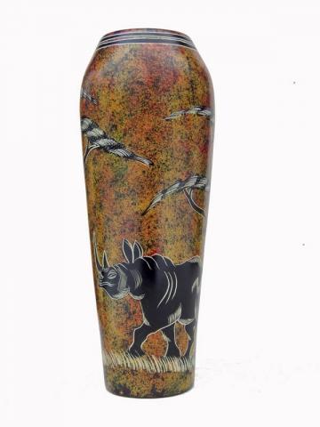 Африканская ваза из натурального камня высотой 26 см