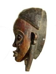 Красивая африканская маска народности Chokwe