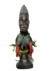 Пара близнецов кукол Yoruba Ibeji