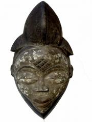 Эффектная и выразительная африканская маска из Габона Punu с черным лицом
