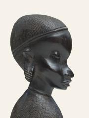 """Купить статуэтку африканской женщины из эбенового дерева """"Красотка"""""""