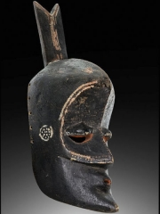 Маски и скульптуры народности Lulua [Конго]