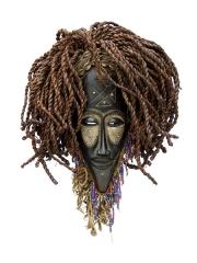 Красивая ритуальная африканская маска Chokwe