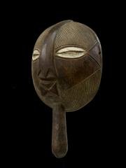 Ритуальная маска народности Luba (Конго) с традиционной резьбой