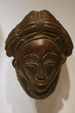 Африканская маска Lumbo Punu, National Museum of African Art, Washington DC