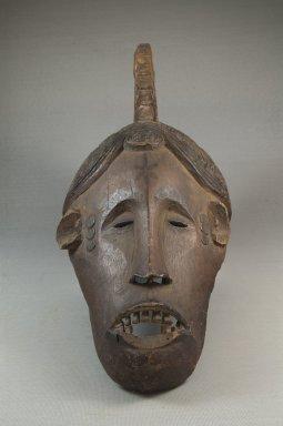 Маска Igbo agbogho mmwo Бруклинского музея