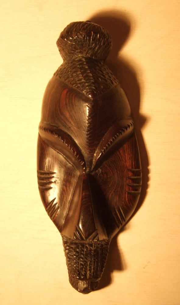 Деревянная маска из Западной Африки