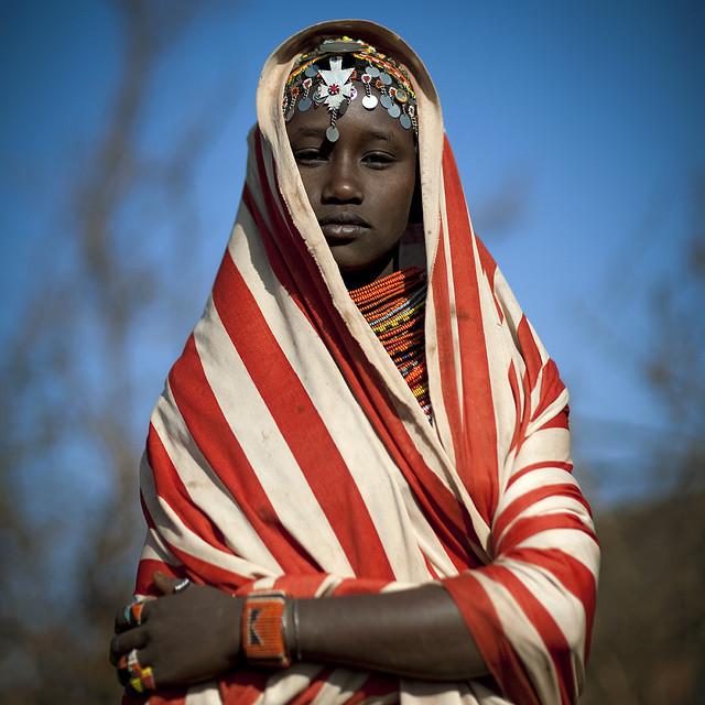 Девушка африканского племени масаи
