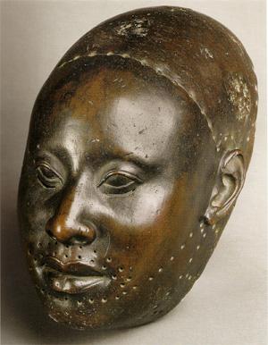 Скульптура бронзовая голова народа Йоруба, Ифе, Нигерия, ок. 12 в. н. э.