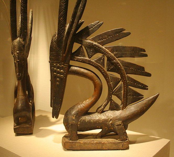 Две чивары Бамбара, ок. конца 19 – нач. 20 в., Чикагский институт искусств. Женская (слева) и мужская, верикальный вариант