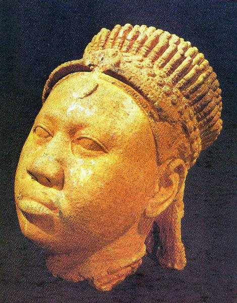 10 Женская голова. Культура Ифе - XII-XV вв. Терракота. Музей Ифе