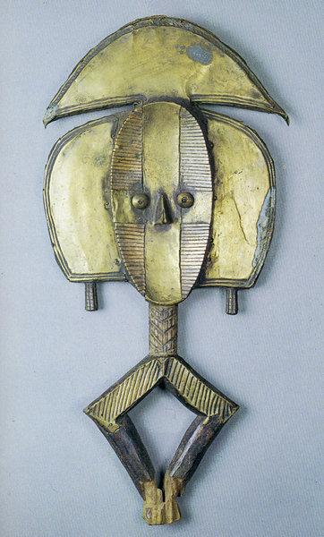 119. Фигура предка. Габон, бакота. Дерево. Стокгольм, Этнографический музей