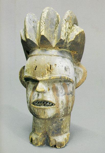 123. Голова человека. Конго, бакота. Дерево. Стокгольм, Этнографический музей