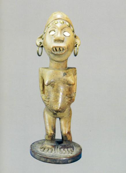 131. Женская фигура. Конго (Браззавиль). Дерево. Стокгольм, Этнографический музей