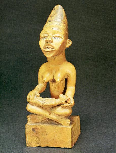 135. Фигура женщины с ребенком. Конго (Браззавиль), баконго. Конец XIX в.