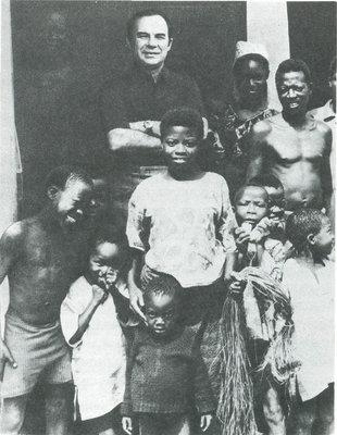 Автор книги Ан. Громыко в гостях у крестьян йоруба (Нигерия)