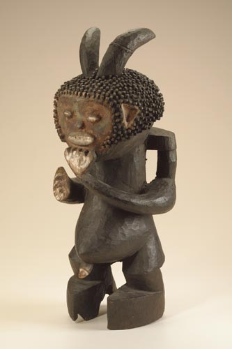 Статуэтка Mambila (Камерун) из Smithsonian National Museum of African Art