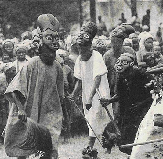 Африканские маски, которые использует народ Bamileke в Камеруне