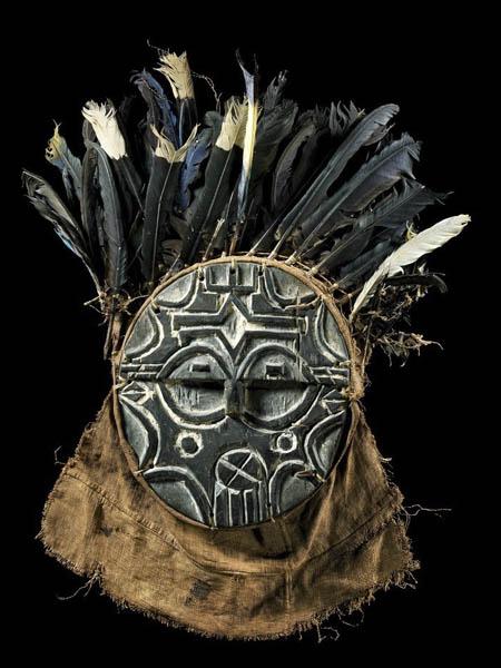 Африканская маска народности Teke (Габон)