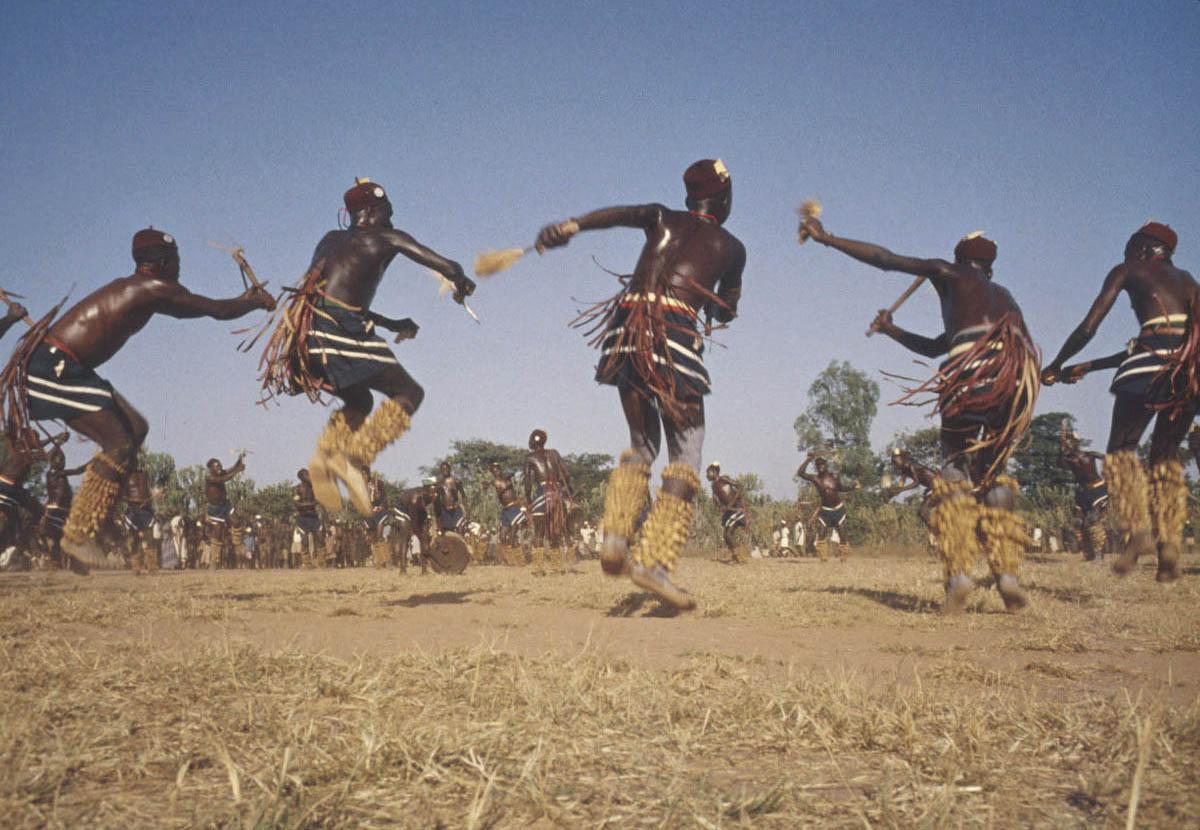 Ритуальный танец африканской народности Biombo из Конго