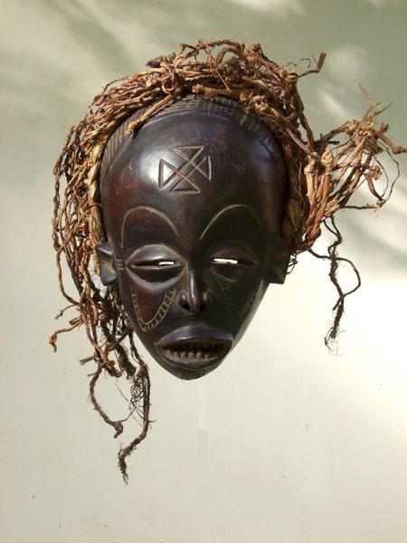 Африканская маска Chokwe Mwana Pwo
