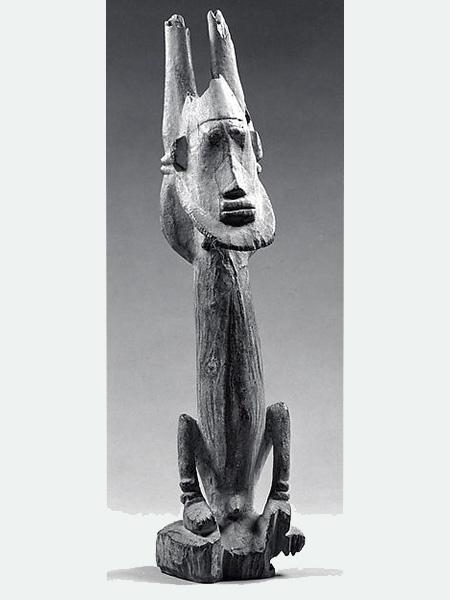Фигура Догонов, изображающая Номмо (Nommo)