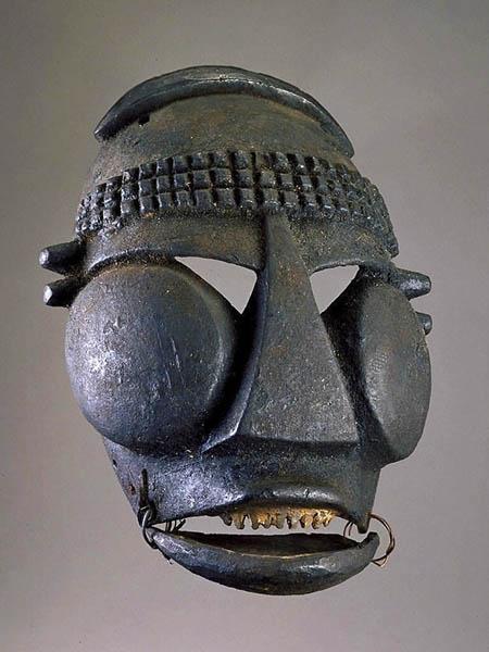 Маска Ibibio из Смитсоновского национального музеяафриканского искусства