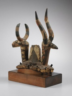Фотографии и стоимость предметов, проданных на аукционе Sotheby's и их оценочная стоимость
