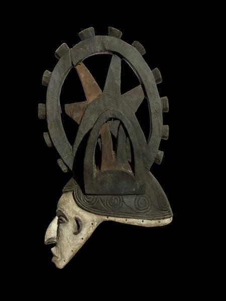 Маска-шлем народности Igbo с гребнем. Страна происхождения: Нигерия