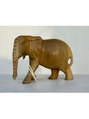 Статуэтка африканского слона из дерева с опущенным хоботом
