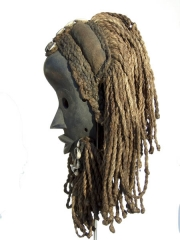 Африканская маска из дерева народности Dan с круглыми глазами и дредами