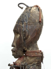 Фетиш Minkisi Nkondi с гвоздями из Конго