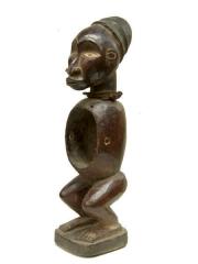 Фетиш статуэтка народности Bakongo с полостью в туловище