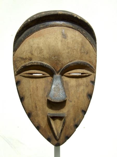 Ритуальная маска Vuvi из Габона для обряда посвящения bwete disumba