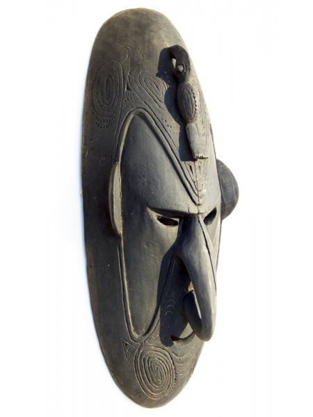 Очень большая маска из Папуа-Новой Гвинеи