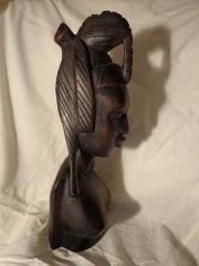 Палисандровая статуэтка африканки из Мали