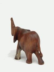 Статуэтка африканского слона из дерева красного цвета