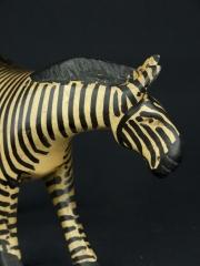 Деревянная фигурка африканской зебры
