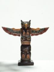 Купить статуэтку птицы Гаруда  из дерева