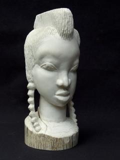 """Статуэтка """"Черно-белая женщина"""" [Гвинея]"""