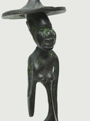 "Бронзовая фигурка женщины африканки ""Хочу и могу"""