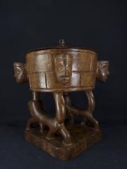 Декоративная этническая чаша из дерева