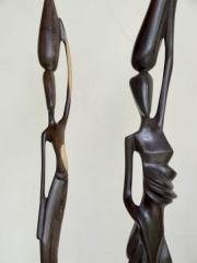 Фигуры трех африканских женщин из Кении