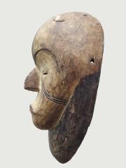Красивая ритуальная маска народности Fang