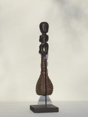 Музыкальный инструмент маракас (погремушка) народности Fang