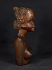 """Статуэтка африканской девушки """"Отличница"""" из красного дерева. Высота 15 см"""