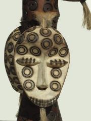 Ритуальная фигура народностиLega Sakimatwematwe