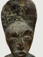Ритуальная скульптура из дерева народности Chokwe из дерева, изображающая семью