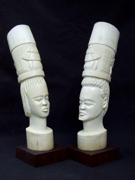 Две африканские статуэтки из слоновой кости